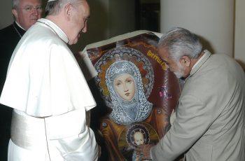 Papa Francisco recebe pintura cuzquenha no vaticano