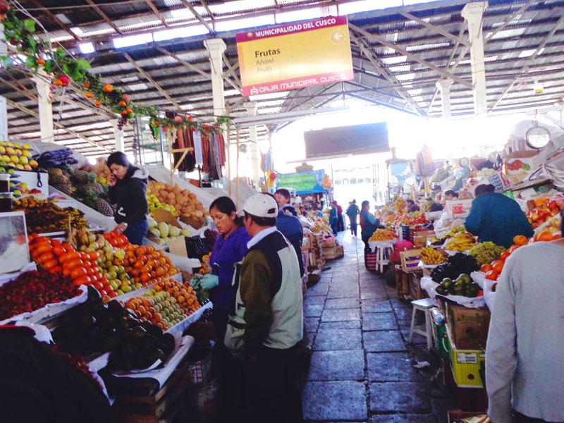 Mercado-San-Pedro-Cusco-Cuzco-01