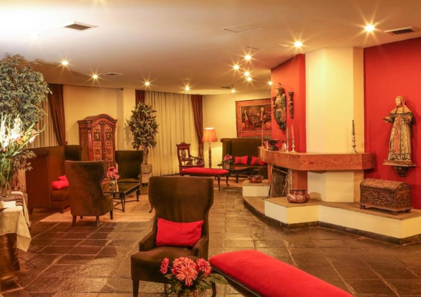 Lobby do Hotel Jose Antonio, em Cusco, no Peru