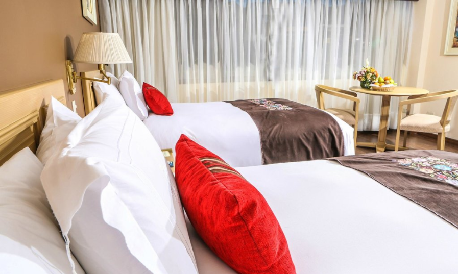 Um dos quartos do Hotel Jose Antonio, em Cusco, no Peru