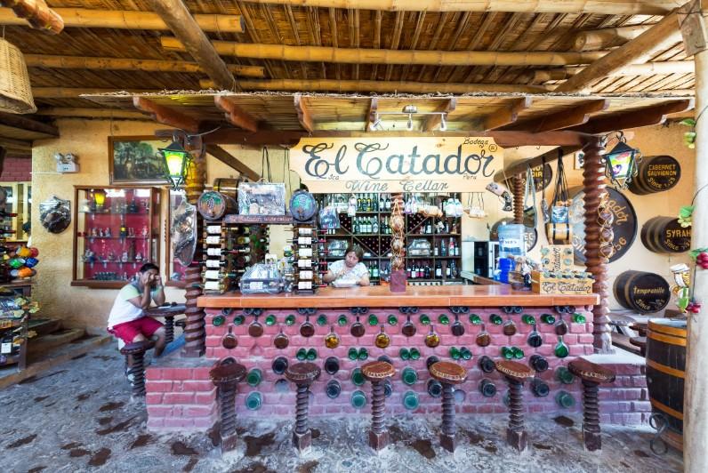 Bar com bebidas tipicas em Ica