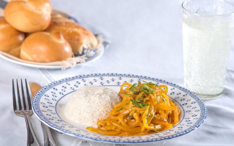 comidas típicas do peru: Olluquito con charqui